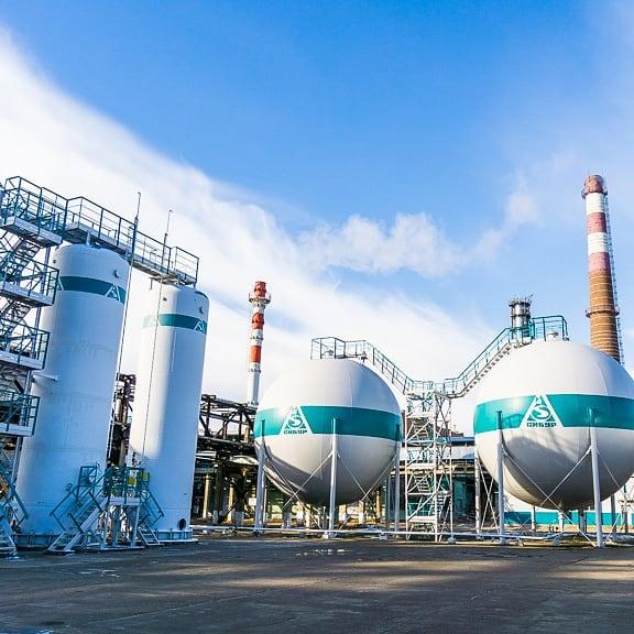 СИБУР: рост производства, убытки и поиск каналов сбыта